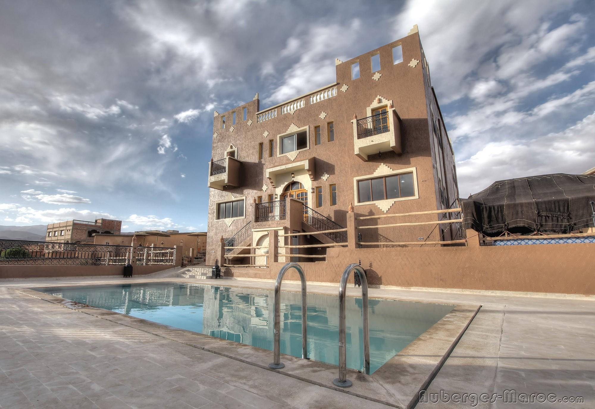 Riad dar bab todra sur auberges for 45800 code postal